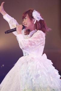 楠田亜衣奈、1stシングル&ライヴBlu-ray発売決定!生誕イベントも開催