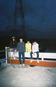 Helsinki Lambda Club新作はバンド初となる、7インチ・アナログ盤とUSBのセット販売