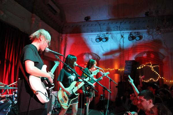 tricot、ロンドン公演ライヴ映像を公開