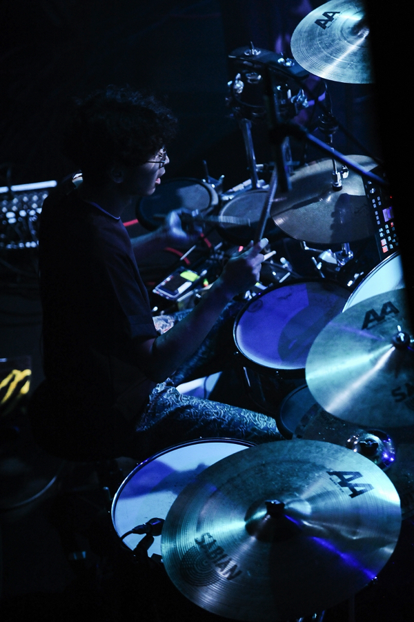LILI LIMIT、4日前の渋谷WWW Xワンマン映像公開&地元・山口での追加公演も