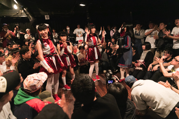 SAKA-SAMA、3つの重大発表ーー里咲りさプロデュースシングル、2ndワンマン、新メンバー募集