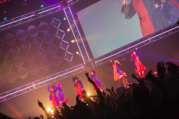 【ライヴレポ】BiSH、12,000人を愛で包んだ横浜アリーナ