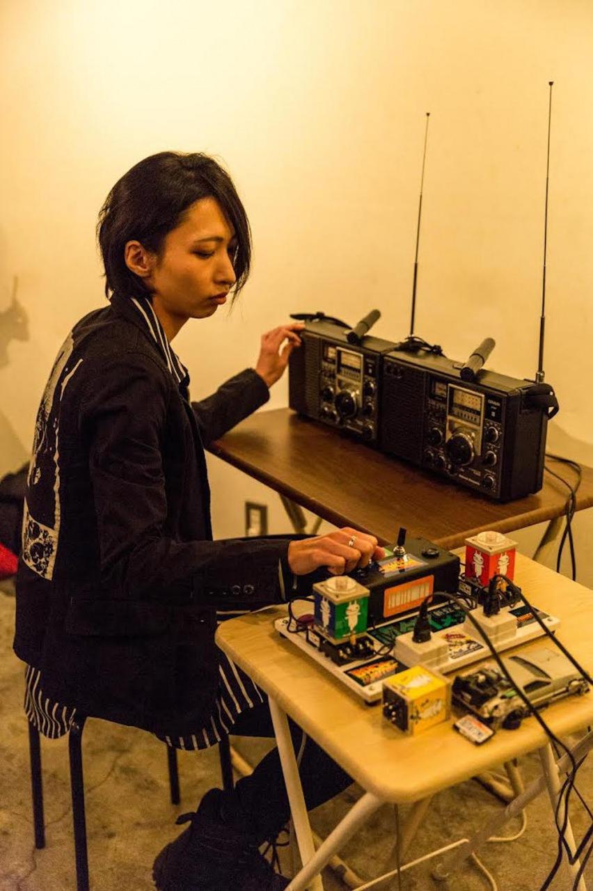 EP-4の佐藤薫による新レーベル、〈φonon〉からリリース第2弾作として森田潤の初ソロ、家口成樹選曲のコンピをリリース