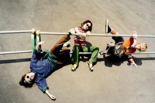 Tempalay、サポート・メンバーAAAMYYYが正式加入し新体制に。新曲MV「SONIC WAVE」を公開