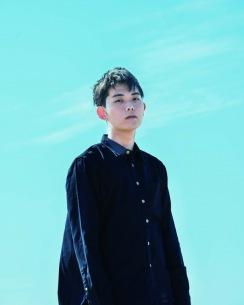 折坂悠太、人気曲「馬市」を7インチ・レコードで発売 オオルタイチによるリミックスも収録