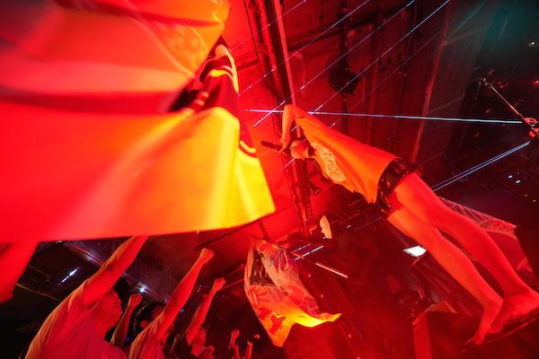 眉村ちあきが新宿LOFT爆破!トイズファクトリーと仮契約&新木場COASTワンマンを発表