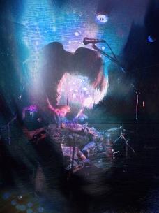 冷牟田敬band、長年リスペクトする割礼とblgtzの田村昭太を招いたライヴを開催