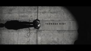 米津玄師、初のモノクロMV「TEENAGE RIOT」公開!幕張公演でも先行上映