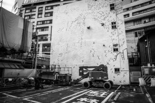 NOISEMAKER、渋谷某所に巨壁ジャケット制作スタート