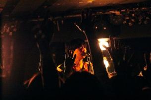 クリープハイプ、1月8日に開催された「太客倶楽部」会員限定ライヴのシークレット・ゲストにyonigeが出演