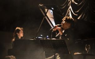 ピアノ伴奏と歌で魅せたキネマ倶楽部 「清 竜人 東名阪アコースティック・ツアー2019」の初日公演が幕開け