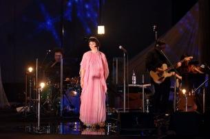 原田知世が一夜限りの新作『L'Heure Bleue』発売記念コンサートを開催、ドラマチックな振り付けも披露