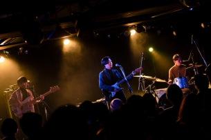 STEPHENSMITH、初のワンマン開催、アルバム未収録の新曲に加え、ブレッド&バターのカバーも披露