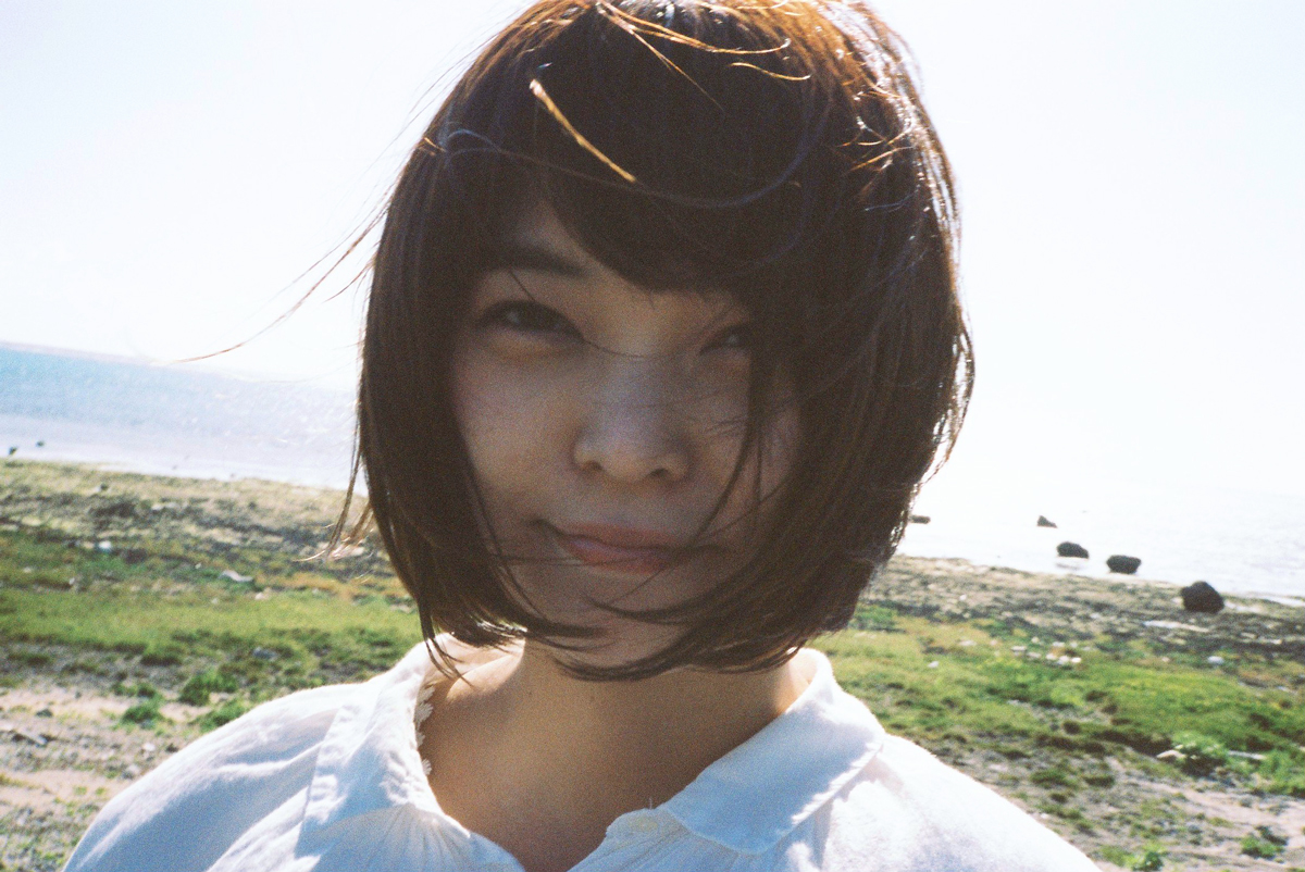 Negicco Kaede、ソロ活動スタートとなるCD-Rシングルのアー写&ジャケ写解禁