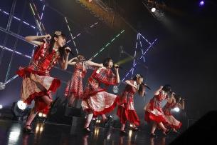 エビ中、単独ライブハウスツアーがスタート& 5月開催の対バン企画「合同合唱コンクール」3DAYS公演を追加発表
