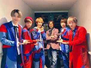 5人組ボーイズユニットCUBERS、メジャーデビュー・シングル発売記念イベントにつんく♂がサプライズで登場