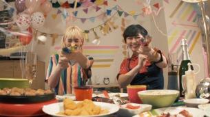 chelmico、本日リリースの新曲「switch」(テレビ東京ドラマ25『四月一日さん家の』オープニングテーマ) MV完成