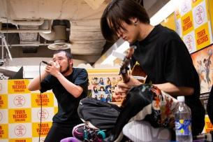 MOROHA、ニュー・アルバムのリリース記念インストアライヴが開催