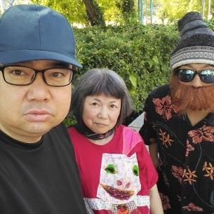 西中島きなこが新曲「アーカイブ」で60歳の垣井しょうゆ&46歳のチコピドーをラッパーに起用