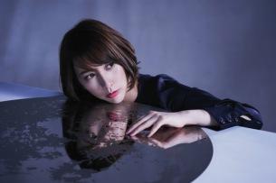 藍井エイル、1万人が熱狂した全国ツアー完結 新曲「月を追う真夜中」MV解禁