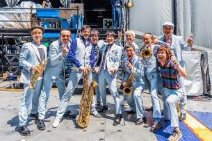 スカパラのサマソニステージに桜井和寿降臨-オフィシャルレポート