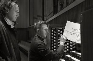 スクエアプッシャー × オルガン奏者ジェイムズ・マクヴィニーニよる怪作『All Night Chroma』発売中