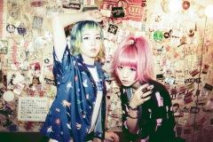 おやホロ、横浜BAY HALLワンマン・スペシャルゲストにBloc Partyのラッセル・リサックを追加発表