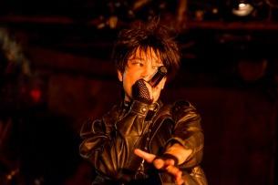 DEATHRO、本日リリースのアルバムよりリード曲「FEEL THE WIND」のPVを公開