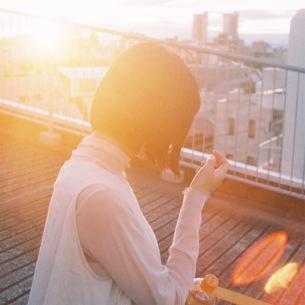 カネコアヤノ、4/1に両A面SG『爛漫/星占いと朝』をリリース