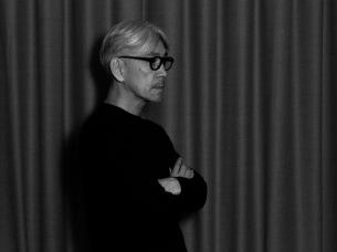 坂本龍一が一夜限りのプレミアム・ライヴを緊急開催、dTVで4/2(木)19時〜無料生配信