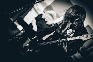 """KAGEROの白水悠と菊池智恵子、クラシックの名曲にノイズを掛け合わせた現代音楽集を""""ポストカード""""で発売"""