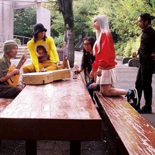 macaroomと知久寿焼、伝説のバンド「たま」時代の楽曲も収録したアルバムをリリース