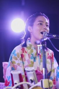 のん、有料配信ライブショーに大友良英、Sachiko Mが登場