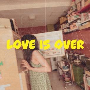 里咲りさ、制作発表から1年越しの新作『Love is over』10月23日リリース