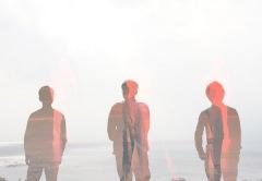 Emu、全英語詞にチャレンジした第5弾シングル「PARADE」配信開始 MVも公開