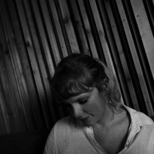 テイラー・スウィフト、34曲入りの『folklore』デラックス・エディションを緊急リリース