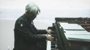 [オフィシャルライヴレポート]2020年を共に生きる人々に届ける、坂本龍一の無観客オンラインピアノコンサート