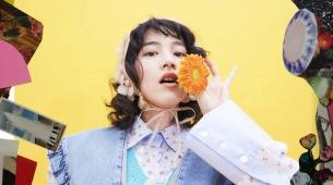 のん、ユウ(チリヌルヲワカ) & ノマアキコと再タッグの新曲「ナマイキにスカート」MV公開
