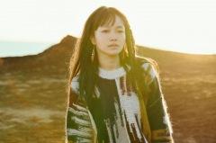 NakamuraEmi、新曲「一服」LIVE MUSIC VIDEOをYouTubeに公開