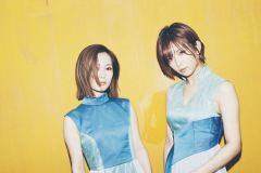 小島みなみ・紗倉まなの音楽ユニット「おとといフライデー」初の無料生配信ライヴ開催